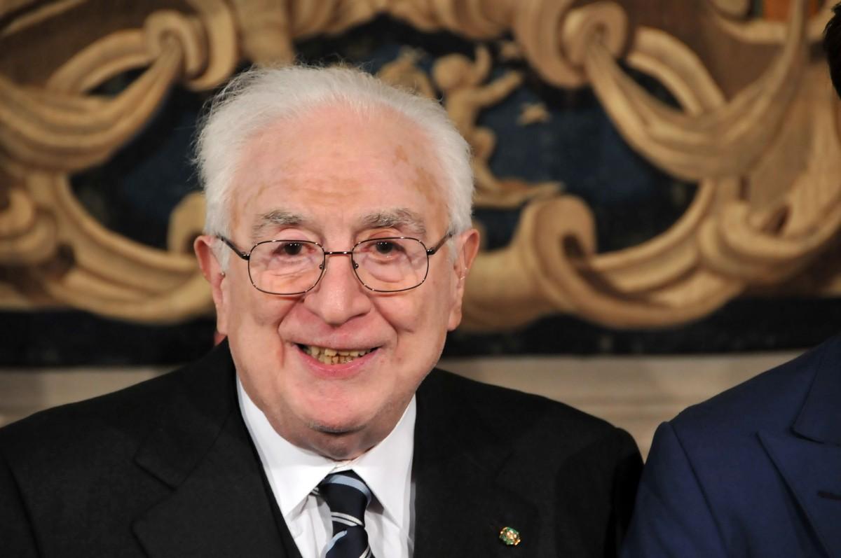 Il prossimo 17 agosto saranno trascorsi dieci anni dalla scomparsa del presidente Francesco Cossiga. Un lungo arco di tempo in cui sono accaduti numerosi ed importanti eventi, in particolare guardando […]