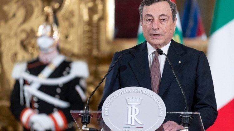 di Nicola Bono Si continuano ad inseguire commenti sul Governo Draghi, che oscillano dalla fede più assoluta, alla critica più feroce, senza percepire ciò che è realmente accaduto, tenendo anche […]