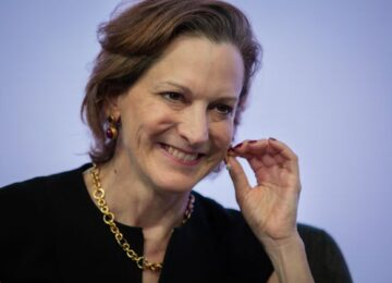 """""""Senza una destra liberale muore la democrazia"""": Anne Applebaum """"benedice"""" la Buona Destra"""